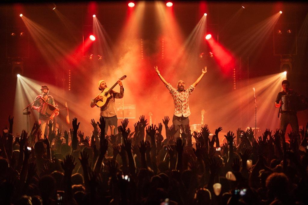La Rue Kétanou en concert au Kabardock, Le Port (La Reunión)
